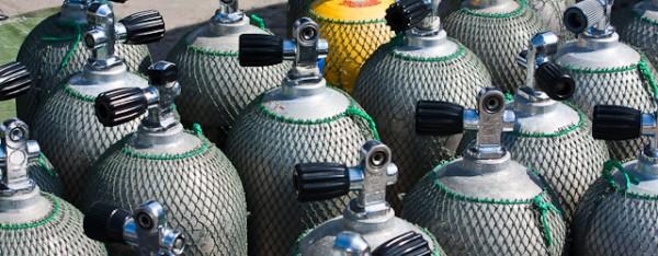Oxygen bottles for diving